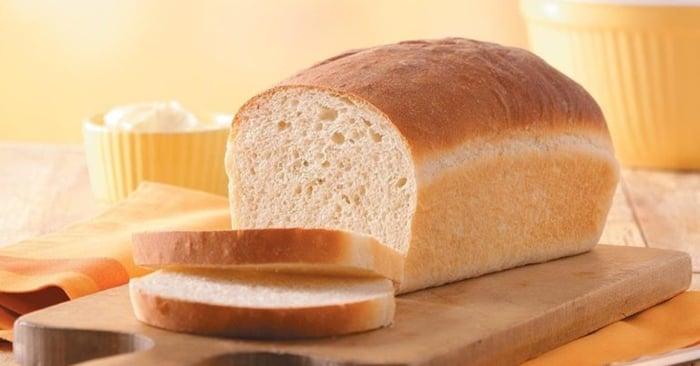pão caseiro simples com fermento seco