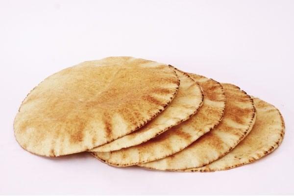 Receita de pão sírio.